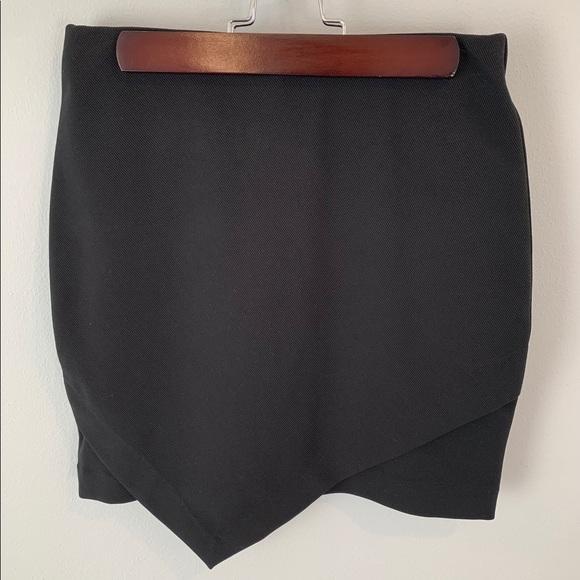 H&M Dresses & Skirts - Black H&M Skirt